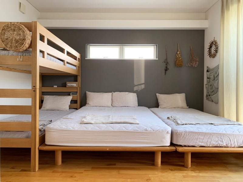 夏のベッドルームをおしゃれに快適に。
